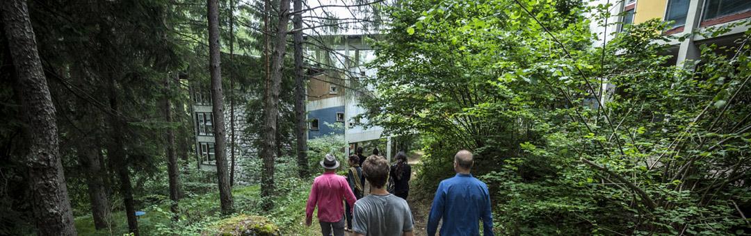 Prime esplorazioni al Villaggio Eni di Borca di Cadore - Gli esterni della Colonia - foto G. De Donà