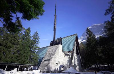 inagibile la chiesa del villaggio eni - foto giacomo de donà