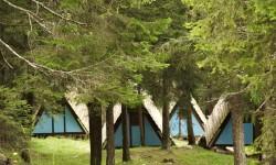 Camping del Villaggio, capanne azzurre